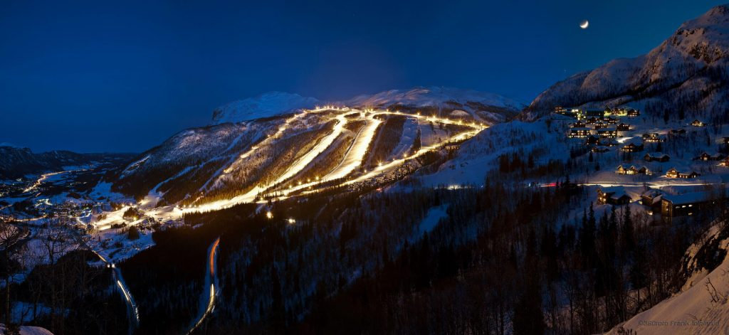 Skarsnuten Hotell - Hemsedal skisenter by night